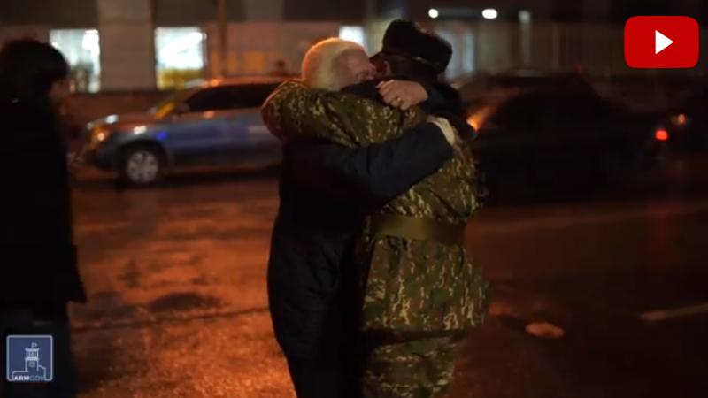 Պատերազմում կռված ժամկետային զինծառայողները մեկ շաբաթով Արցախից վերադառնում են տուն (տեսանյութ)