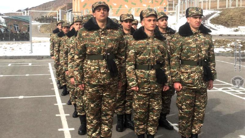 1-ին զորամիավորման զորամասերից մեկում տեսական և գործնական պարապմունքներ են անցկացվել նորակոչիկ զինծառայողների հետ