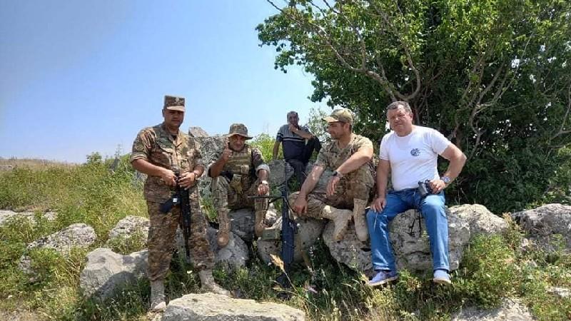 Սյունիքի մարզում թշնամու զինվորները իջել են դիրքերից և արգելել խոտհավաքը