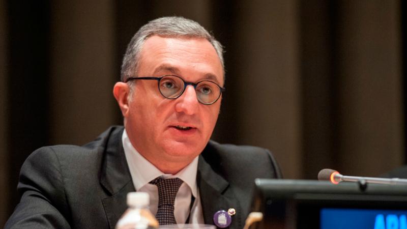 Զոհրաբ Մնացականյանը ԳԴՀ Եվրոպական հարցերով պետնախարարի հետ քննարկել է միջազգային և տարածաշրջանային օրակարգի հարցեր