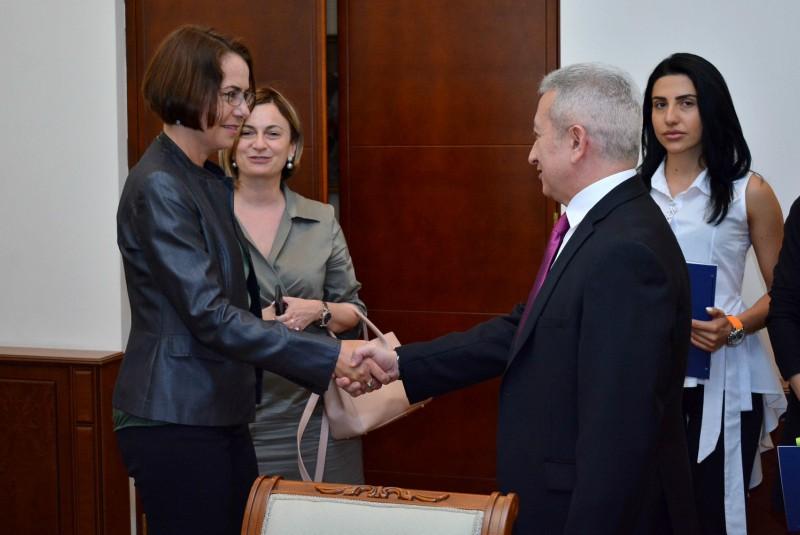 Հայաստանի և Վերականգնման վարկերի բանկի միջև 3 մլն եվրո արժողությամբ երկու դրամաշնորհային համաձայնագիր է ստորագրվել
