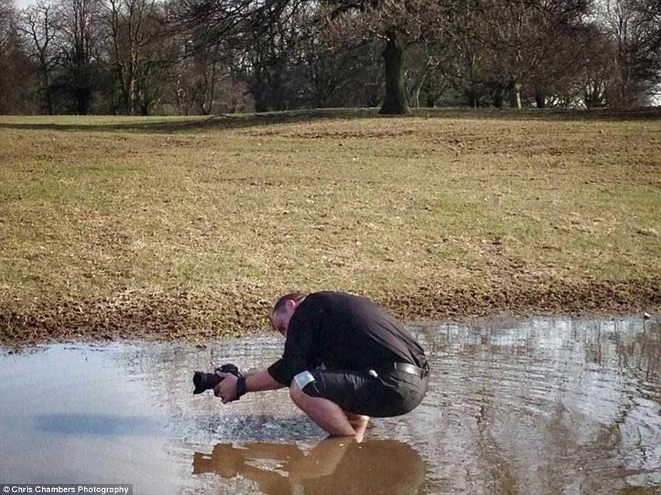 d8427d82aef3b0bb4e652D51B4F200000578-3266802-Chris_ankle_deep_in_muddy_water_to_create_the_perfect_shot-a-4_1444645617546.jpg
