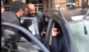 Էդուարդ Շարմազանովի եղբայրը ցուցարարին ծեծելով նստեցնում է ավտոմեքենան (տեսանյութ)