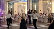 Հենրիխ Մխիթարյանի և նրա մայրիկի հայկական պարը (տեսանյութ)