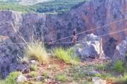 В Хорватии экстремалы балансировали на 240-метровой высоте (видео)