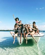 Քենդալ Ջենները հանգստանում է Բահամյան կղզիներում