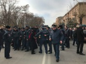 «Նոր Հայաստան, նոր հայրապետ» շարժման մասնակիցներից երկուսը տարվել են ոստիկանություն