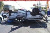 Երևանում միմյանց բախվելուց հետո Mercedes-ներից մեկը գլխիվայր շրջվել է, կա զոհ. Shamshyan.c...