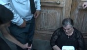 Զոհված զինծառայողների մայրերն ու քույրերը նստացույց են հայտարարել կառավարության շենքի դիմա...