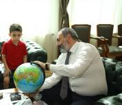 Փաշինյանն այսօր հյուրընկալել է Ամերիկայում բնակվող հայազգի 6-ամյա Մայքլ Միխանիին (տեսանյու...