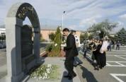 Ոստիկանության պետը հարգանքի տուրք է մատուցել զոհված ոստիկանների հիշատակին