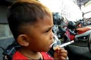 «Եթե ես նրան ծխախոտ չեմ տալիս նա կատաղում է». 2-ամյա ինդոնեզացին օրական 2 տուփ ծխախոտ է ծխ...