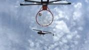Ամերիկացին գնդակը բասկետբոլի զամբյուղն է գցել ուղղաթիռից (տեսանյութ)