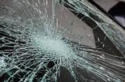 Երևանում BMW-ն դուրս է եկել ճանապարհի երթևեկելի հատվածից ու բախվել արգելապատնեշին