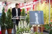 Փարիզում Շառլ Ազնավուրի մանկության տան պատին բացվել է մաեստրոյի հուշատախտակը