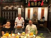 Այսօր ինձ ու Աննային հրավիրեցին 150 տարվա մի ռեստորան. Փաշինյան