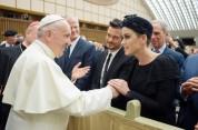 Քեթի Փերին խոստովանել է, որ Հռոմի պապին հանդիպելուց հետո վերադարձել է քրիստոնեական հավատքի...