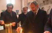 Վարչապետը մոմ վառեց Սպիտակի Սուրբ Հարություն եկեղեցում՝ ի հիշատակ երկրաշարժի անմեղ զոհերի