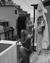 Էմիլի Ռատաժկովսկին կրկին ցուցադրել է գեղեցիկ մարմինը (լուսանկարներ)