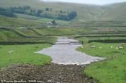 Մեծ Բրիտանիայում չորացած գետը երկու րոպեում լցվում է ջրով (տեսանյութ)