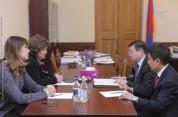 ՀՀ ԱԺ փոխնախագահ Հերմինե Նաղդալյանը հանդիպել է Ղազախստանի դեսպանի հետ