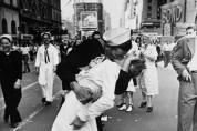 Умерла медсестра с фотографии «Поцелуй на Таймс-Сквер»