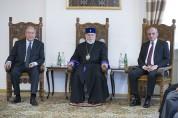 Ամենայն Հայոց Կաթողիկոսը հանդիպում է ունեցել Հայաստանի և Արցախի նախագահների հետ