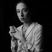 Ապրիլի 25 էր՝ մտանք Արշակունյաց. դերասանուհի Տաթեւ Հովակիմյանն իր մեքենայով փակել է Արշակո...