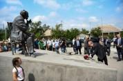 Սոս Սարգսյանը ոչ միայն մեծ արվեստագետ էր, այլև՝ մեծ քաղաքացի․ նախագահը Ստեփանավանում հարգա...