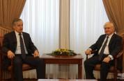 Է. Նալբանդյանն ու Ս. Ասլովը շնորհավորել են միմյանց Հայաստանի և Տաջիկստանի միջև դիվանագիտակ...
