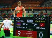 Արթուր Ալեքսանյանը լուսանկար է հրապարակել թուրք մարզիկին հաղթելու վերաբերյալ