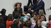 Թուրքիայի խորհրդարանում կին պատգամավորները ծեծկռտուք են հրահրել (տեսանյութ)