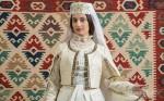 Ադրբեջանցիներին զայրացրել է, որ lenta.ru-ն բարոյականության մասին անդրադարձում հայուհիներին...