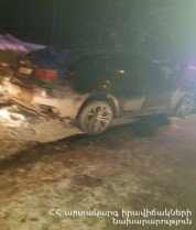 Հրազդանում մեքենան դուրս է եկել երթևեկելի հատվածից և բախվել պատին․ կա 5 վիրավոր