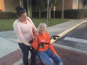 93-ամյա հաշմանդամ տատիկի դաժան ձերբակալությունը տեսագրվել է