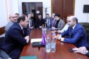 «Լուսավոր Հայաստան» խմբակցությունը մոտ 3 ժամից ավելի հարցուպատասխան է ունեցել պաշտպանությա...