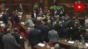 Ծեծկռտուք Ազգային ժողովում․ (տեսանյութ)