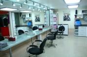 В Ванадзоре кандидаты рейтингового списка РПА организовали в парикмахерских день открытых ...