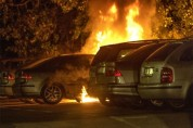 Շվեդիայում այս գիշեր տասնյակ ավտոմեքենաներ են այրվել անհայտ պատճառով