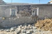 Մեծարենցի փողոցի տներից մեկի արտաքին պատը փլուզվել է