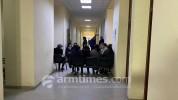 Գերեվարված զինվորների ծնողները փակել են Շիրակի մարզպետարանի մուտքը. աշխատակիցներին թույլ չ...