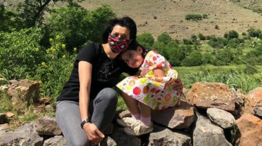 Աննա Հակոբյանի և դստեր՝ Արփիի նոր լուսանկարները