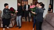Լենա Նազարյանի հետ այցելեցինք պատերազմում անմահացած ժամկետային զինծառայող Վահան Աղախանյանի...