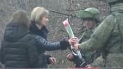Մարտի 8-ին ընդառաջ ռուս խաղաղապահները ծաղիկներ են նվիրել արցախցի կանանց