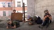 Երեխաները շենքի բակը մարտի դաշտի են վերածել ու կռիվ-կռիվ են խաղում (տեսանյութ)