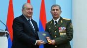 Արմեն Սարգսյանը հանդիպել է ՀՀ ԶՈւ գլխավոր շտաբի պետ Օնիկ Գասպարյանի հետ
