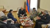 Արմեն Սարգսյանը հյուրընկալել է Հայրենական մեծ պատերազմի մի խումբ վետերանների