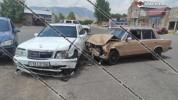 Ավտովթար Կոտայքի մարզում. բախվել են Mercedes-ն ու ВАЗ 2106-ը. կա վիրավոր