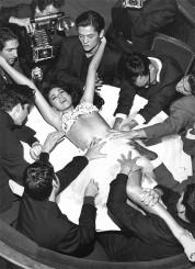 Աշխարհի սեքս սիմվոլը. Մոնիկա Բելուչիի արտասովոր նկարների շարքը (լուսանկարներ)