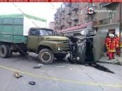 Վանաձորում բախվել են ЗИЛ-ն ու Պաշտպանության նախարարության УАЗ-ը. կան վիրավորներ